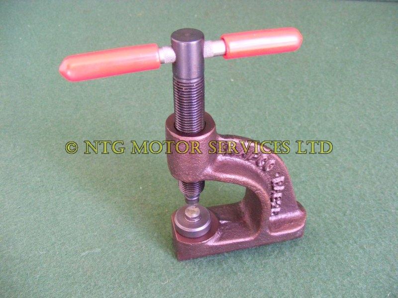 Brake Shoe Riveting Tool : Nx loan tool hire brake shoe rivet